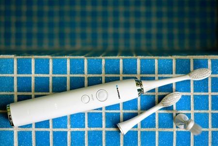 BLAUPUNKT DTS701 szczoteczka soniczna z sanitizerem UV + 3 końcówki GRATISOWA DOSTAWA