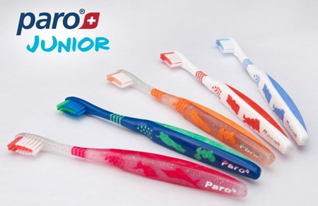 PARO Junior -  elastyczna, antynaciskowa szczoteczka manualna do mycia zębów dla dzieci do 8 roku życia